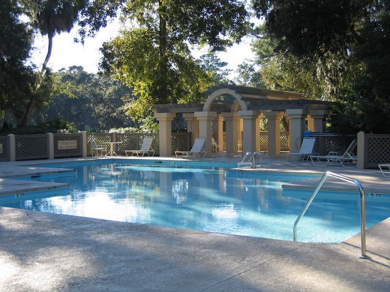 Colonnade Club pool